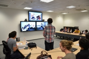 Polycom's ATX 200 videoconferencing system displaystwo video feeds, which capture the entire room,and another feed for sharing a computer screen.This configuration allows instructors andstudents to interact across continents withunprecedented ease.