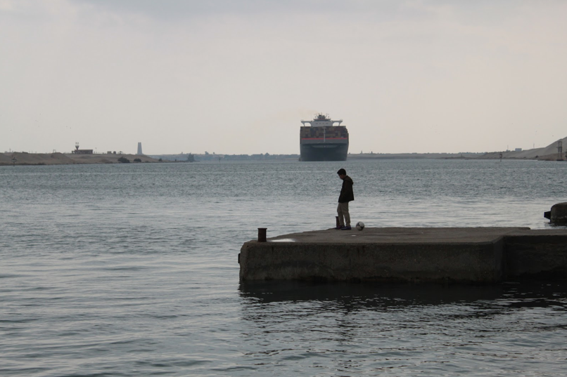 A dock halfway down the Suez Canal, in Ismailia. Photo by Maurice Chammah. All rights reserved.